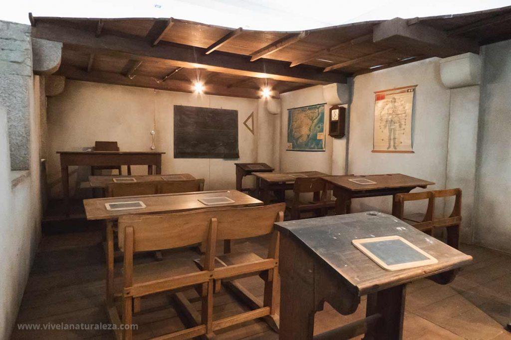 Antigua escuela en el centro de visitantes