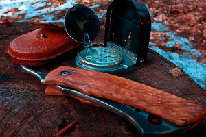 Un buen kit de supervivencia, preparado con las herramientas imprescindibles para sobrevivir, nos pude salvar la vida. Puedes comprarlo o a hacerlo tú mismo