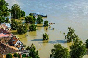 Existen lugares propensos a las inundaciones. Las personas que viven allí deberán estar siempre preparadas para sobrevivir a estas catástrofes