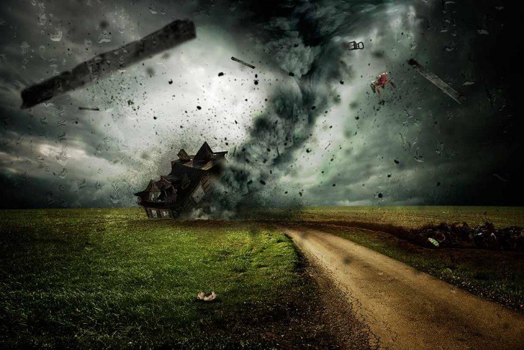 Los tornados son un fenómeno atmosférico devastador para el que es necesario estar preparado de antemano. Sólo así podremos tener posibilidades de sobrevivir